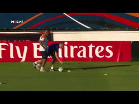 De Jong 'wonder van Lourdes'? | WK Voetbal 2014