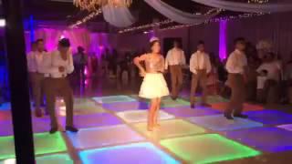 Magaly suprise dance el beeper.