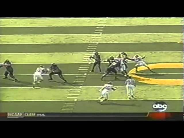 Oregon QB Dennis Dixon throws another interception in the 4th qtr vs. OU 9-16-06