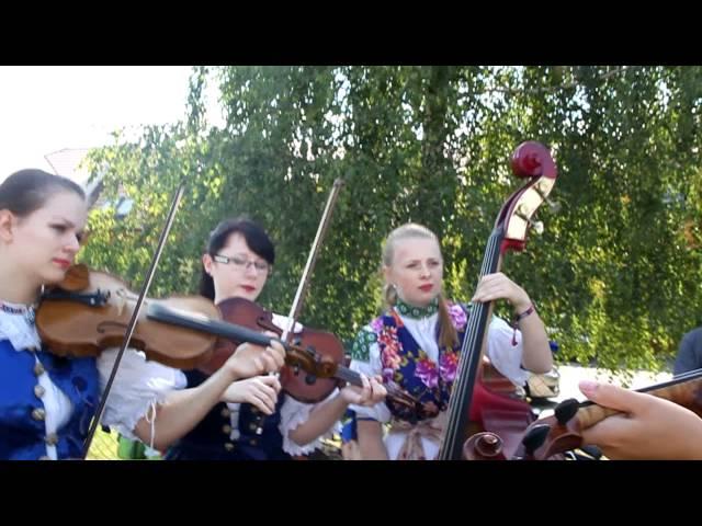 Pohled na Slovensko: Dívčí muzika ze Staré Turé (www.SlovackoDNES.cz)