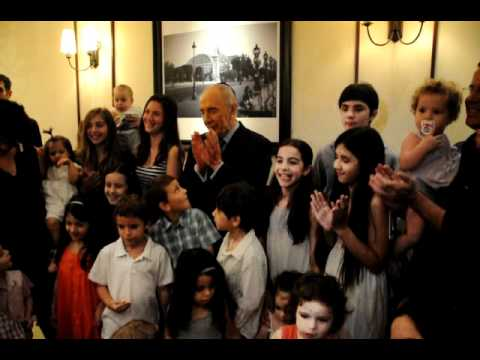 H.E. Presidnet Shimon Peres joining the kids