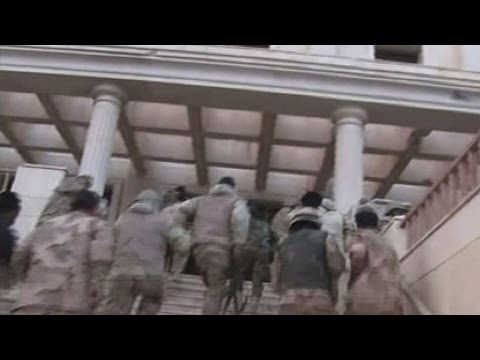 Syria army edges forward in jihadist-held Palmyra