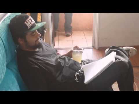 ILUMINATIK feat BODKA37 - LOS QUE LE PEGAN MAS. (video oficial 2014 HD)