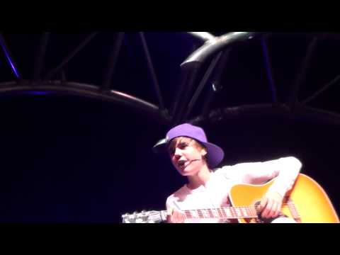 Favorite Girl Live - Justin Bieber Montreal, 22 Novembre 2010 video