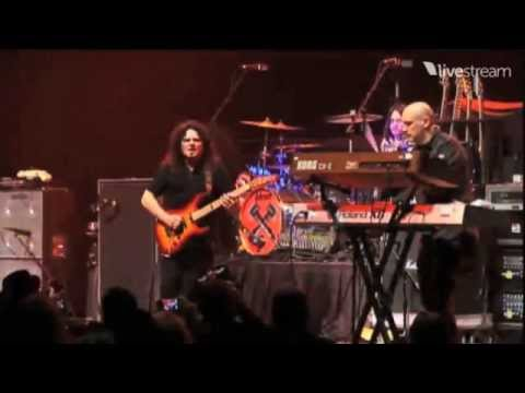 Vinnie Moore - Namm Jam 2012 with John