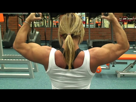 Katka Kyptova biceps workout