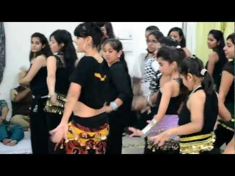 Meher Malik Teaching Aga Bai Song At Sangita's Studio Of Performing Arts, Ludhiana. video