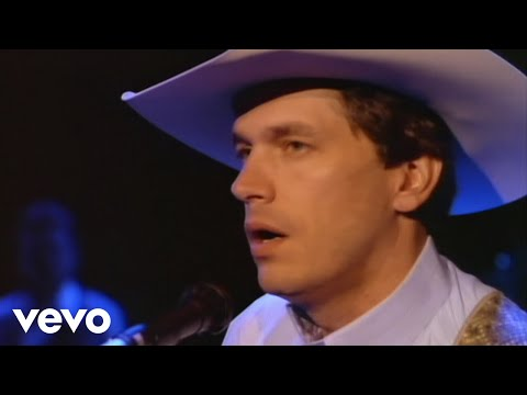 George Strait - Babys gotten good at goodbye