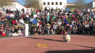 Tony Duncan at the 2014 Heard Museum World Championship Hoop Dance Contest