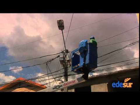 Edesur realiza trabajos de rehabilitación de redes en Las Caobas en Sto Dgo Oeste