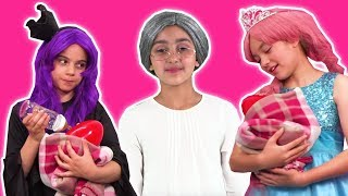 PRINCESS BABYSITTING 👶 Olivia & Malice Compete For A Job! - Princesses In Real Life | Kiddyzuzaa