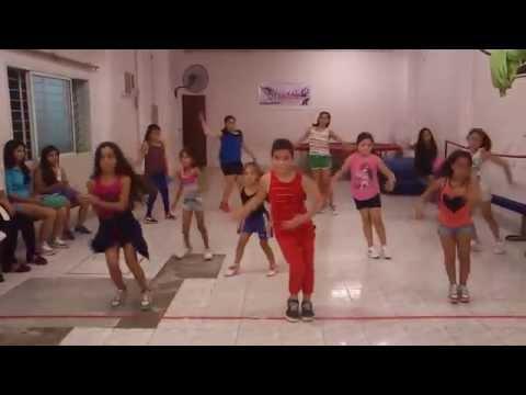 STRADDLE DANCE CLASE DE RITMOS BRASILEROS INFANTILES prof: ESTEBAN SANCHEZ