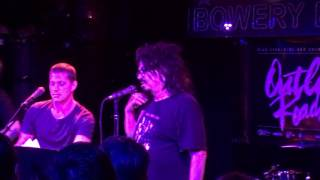 Watch Counting Crows Thirteen video