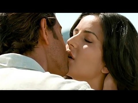 Hrithik Roshan & Katrina Kaif's Hot Kiss In Bang Bang  | Upcoming Latest Bollywood Hindi Movie video