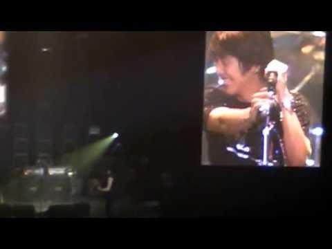 130615 CNBLUE in MANILA - Yonghwa's Mistake (SIngapore instead of Philippines) HAHAHA