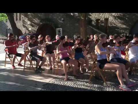 Zuglói Filharmónia Zeneiskolai Zenekar (2019) - Gábor Horváth conducting  Kaiser Walzer