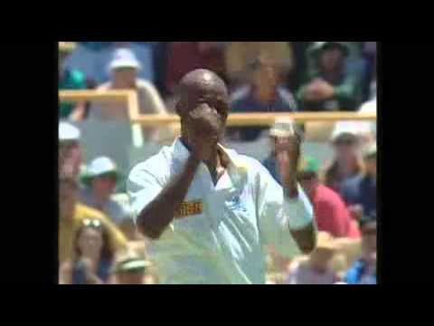 cricket worst catching and fielding compilation..funny bloopers!!