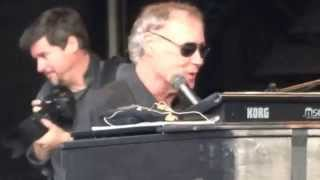 Watch Bruce Hornsby Country Doctor video