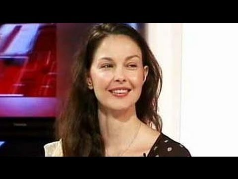 India Questions Ashley Judd (Aired: April 2007)