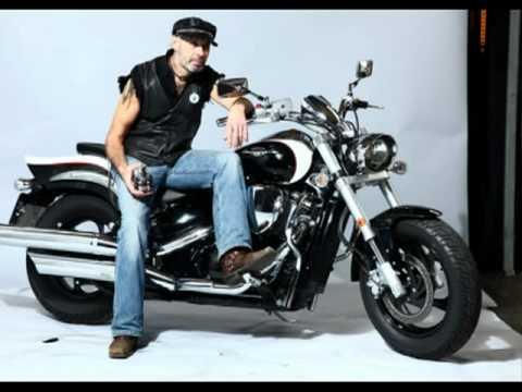 Фотосъемка с мотоциклом в студии ФОТОВСЕМ