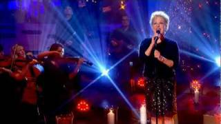 Watch Bette Midler Dreamland video