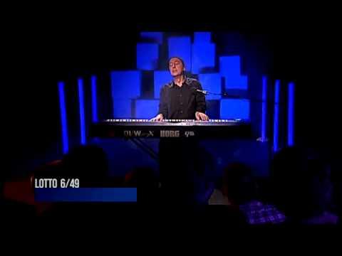 Lluís Llach canta