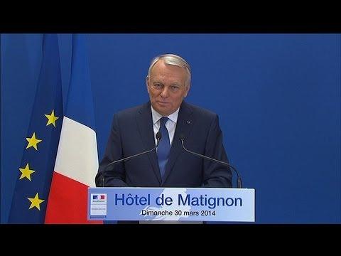Les quinze secondes de blanc de Jean-Marc Ayrault après discours - 30/03