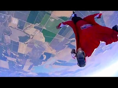 Wingsuit flyers develop first-ever 4 cross race
