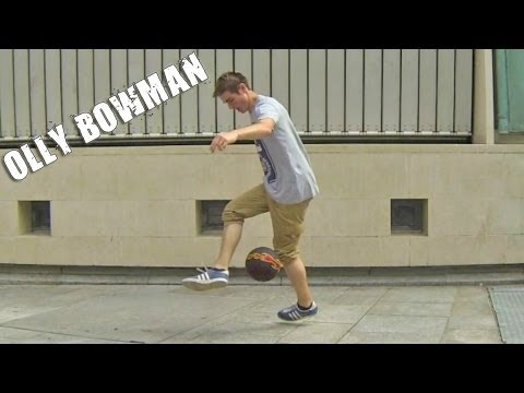 Blocking Combo (tutorial) :: Freestyle Football   Soccer (feat. Olly Bowman) video