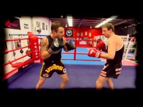 MMA boxing technique - aggresive vs counter fighting Image 1