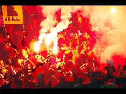 Galatasaray'da dogdun Gittin emre piç oldun.. Allah belanı versin azizde para buldun... �ocugu ezip kactın biz sahipciktik sana... Siktir git �imdi emre yav�ak aziz babana... ...
