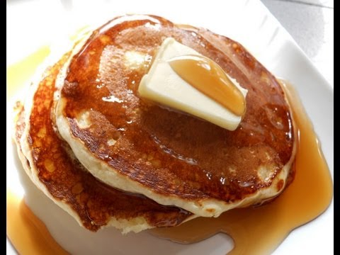 Fluffy Pancakes From Scratch (Canadian and American Recipes)
