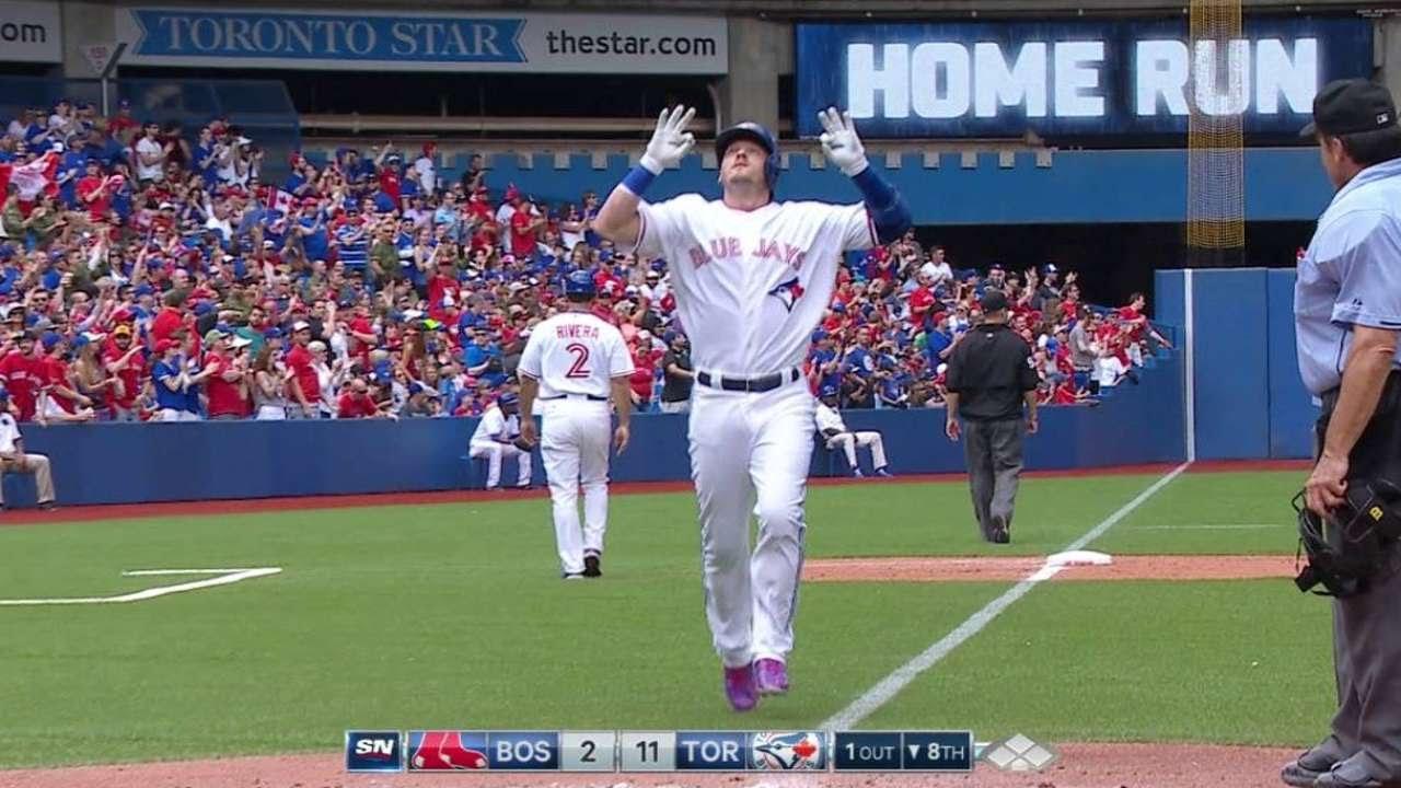 BOS@TOR: Donaldson rips his 19th home run of season