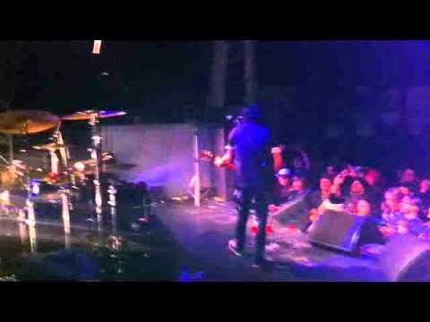 GILBY CLARKE - LIVE IN PARIS 2012 - SIDE STAGE SHOT - GUNS N ROSES
