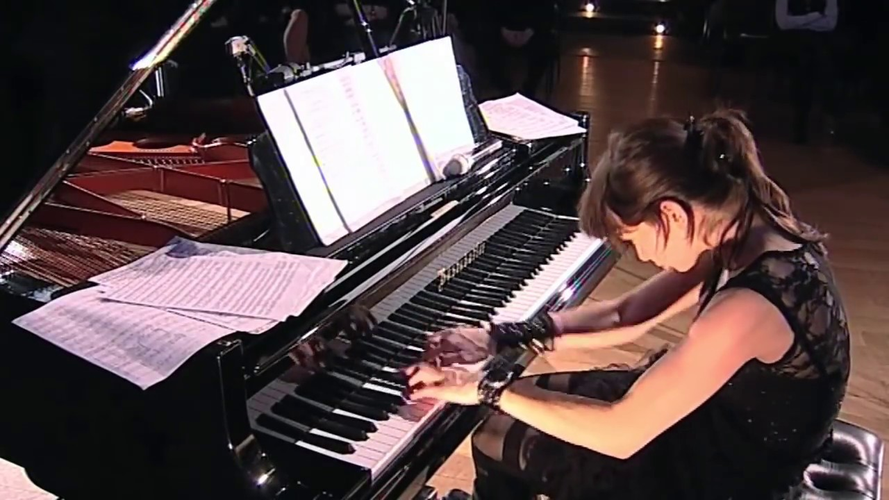 nude ladies playing piano