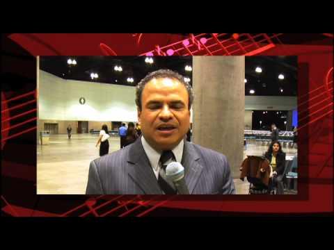 Pastor Rene Molina Saluda a Erick Porta