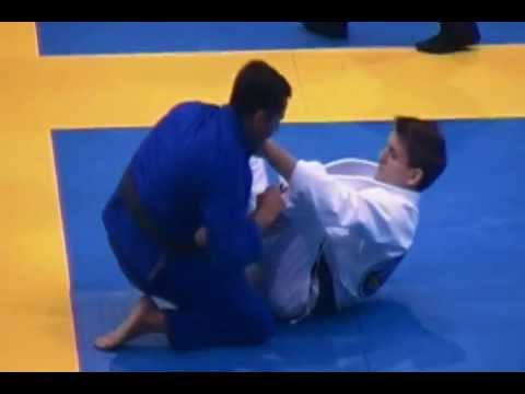 Rafael Mendes- sit up sweep from De La Riva Guard Image 1