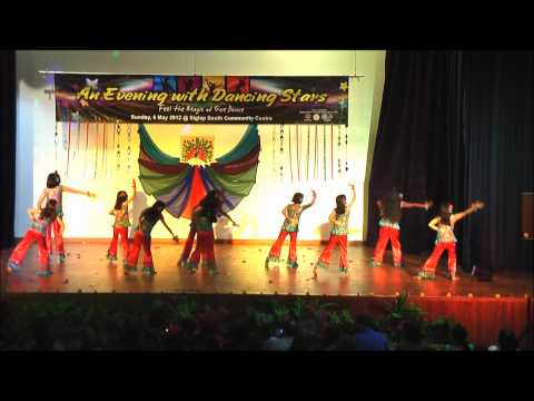 Children Bollywood Dance In Singapore - Chammak Challo video