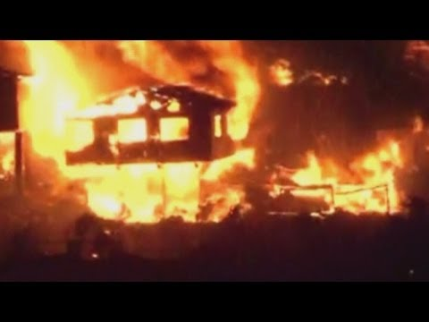 Chile Fire: Huge blaze destroys 500 homes and kills four people