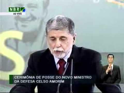Cerimônia de posse do novo ministro da defesa Celso Amorim