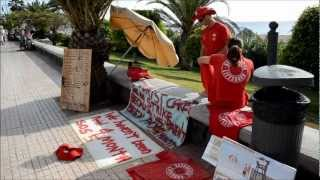 The lifeguards TENERIFE ask alms on the seafront Umberto Faraglia Fotoreporter