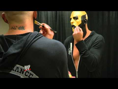 HOW TO APPLY Goldust's Face Paint PERFECTLY!