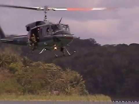 SOBREVUELO EN HELICOPTERO POR FLORES PETEN - ENTRENAMIENTO KAIBIL... YO CONTROLER