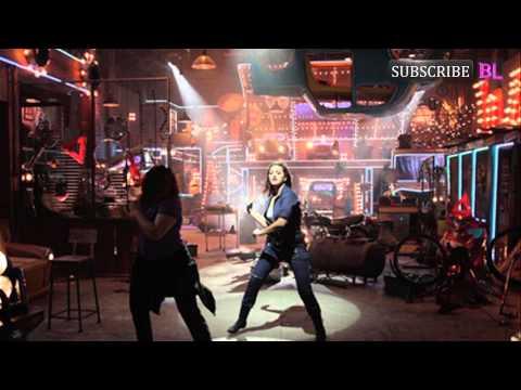 Sanjay Kapoor to reprise his super hit Akhiyan Milaun from Raja...