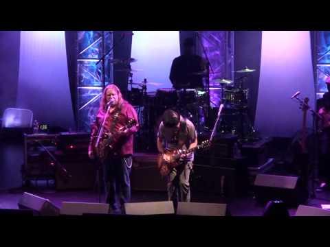 (HD) Warren Haynes Band w/ Brad Whitford - Feel Like Breaking Up Somebody's Home - 5.12.11