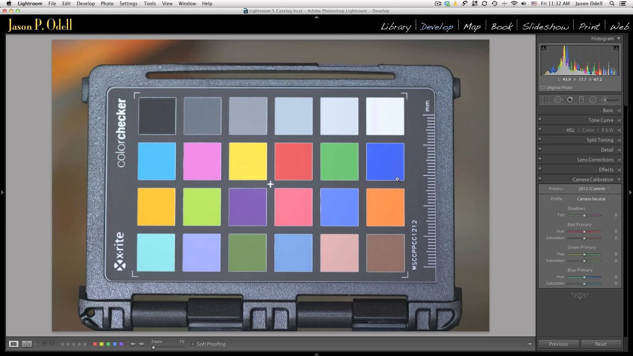 how to download raw images from camera