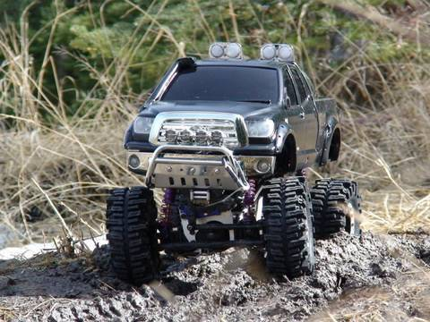 RC ADVENTURES - SCALE RC TRUCKS # 16 - MEDiC's MONSTER TUNDRA - ROOT'S N' MUD