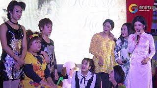 Cười nghiêng ngả cùng 5 Chà - bé Tư - Lý Thanh Kim Huệ, team lầy lội nhất gánh lô tô Hương Nam