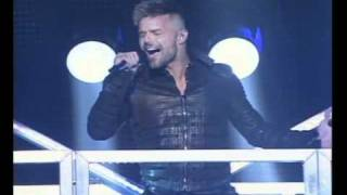 Watch Ricky Martin Sera Sera video