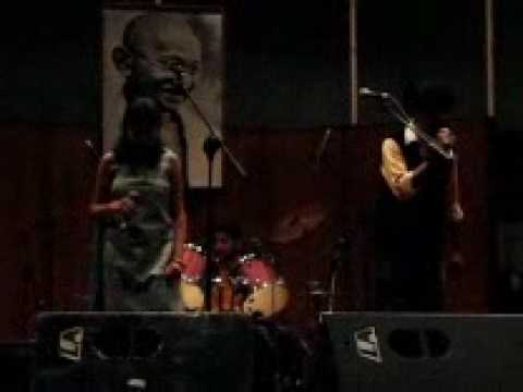 Tu Fiza Hai (performed by Music Club IIT Delhi) at Malhaar 09...